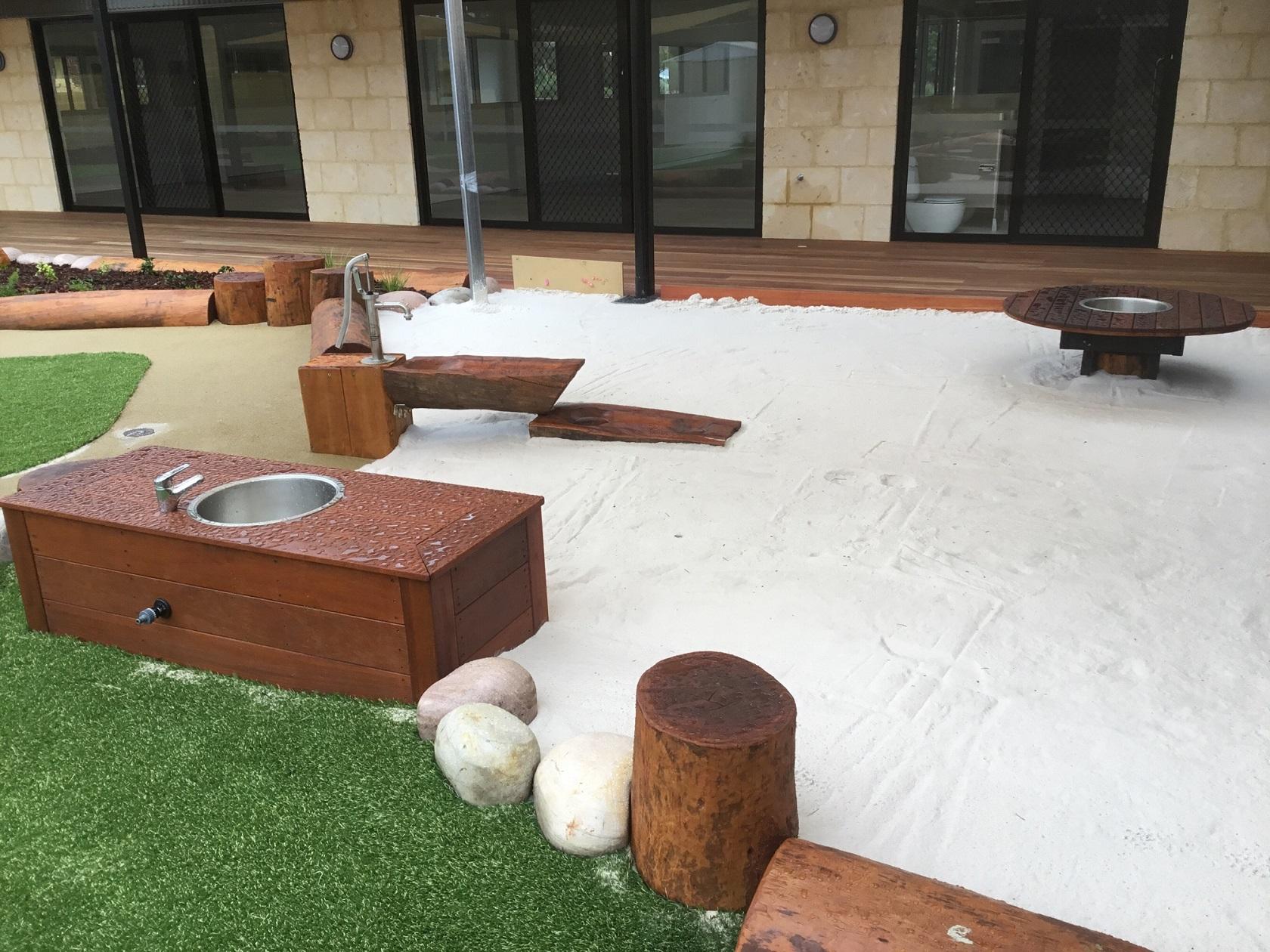Logs rills sandpit - baldivis