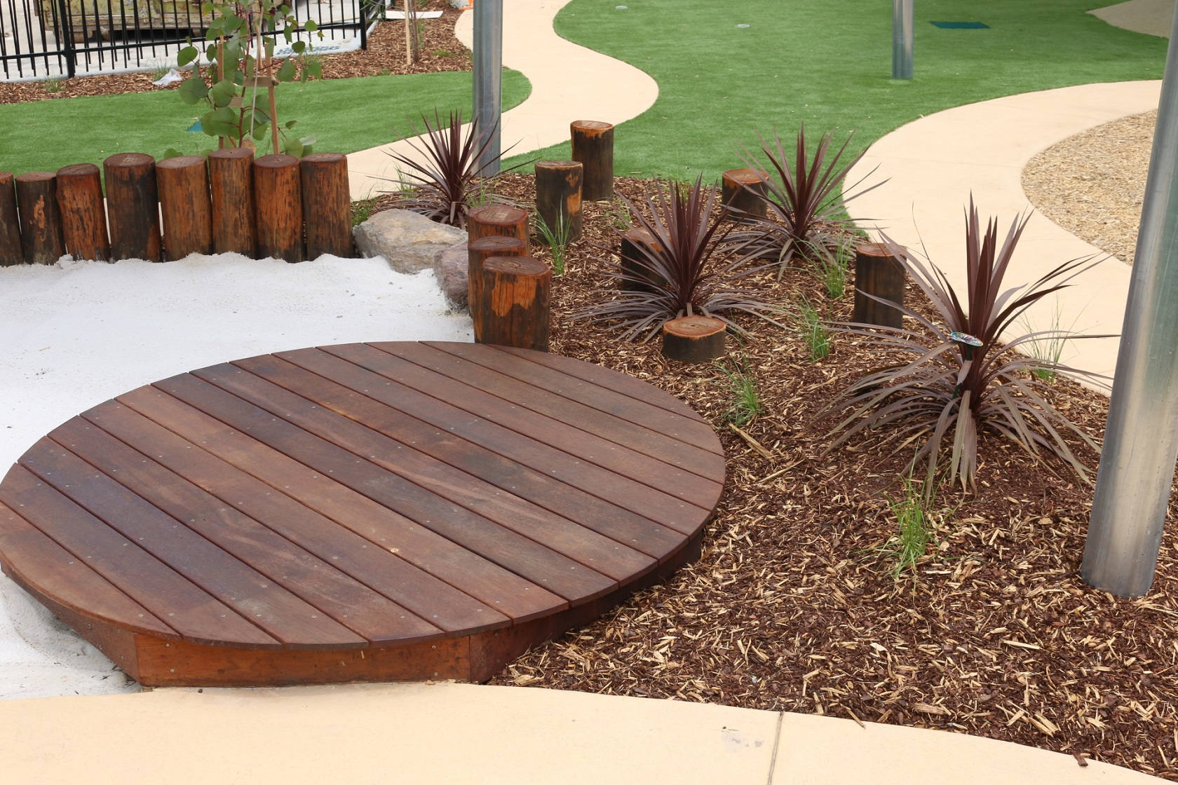 circular deck - narre warren