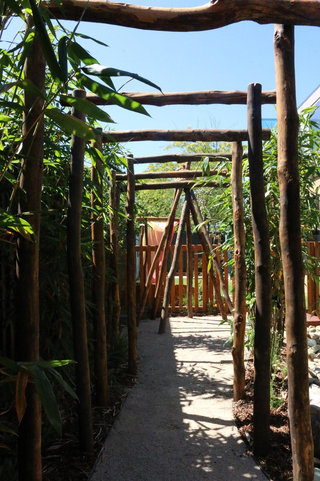bush pole arbour - brighton