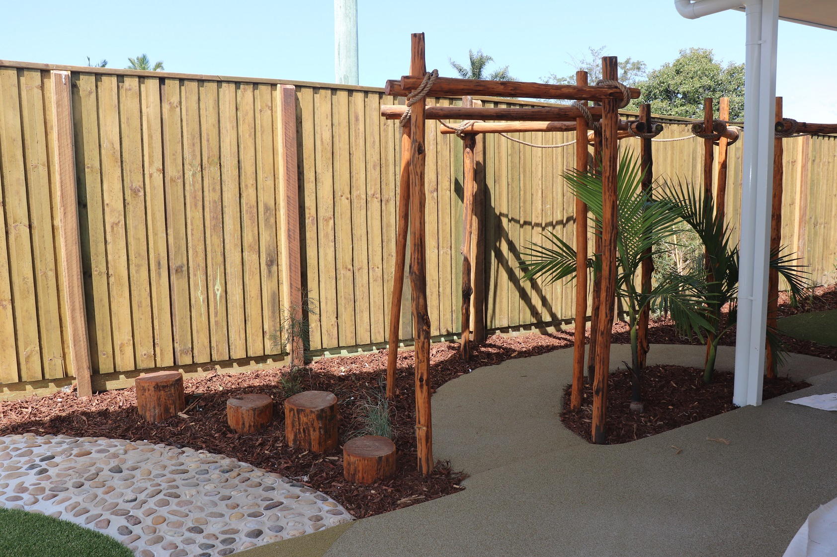 bush pole arbour curved - burpengary