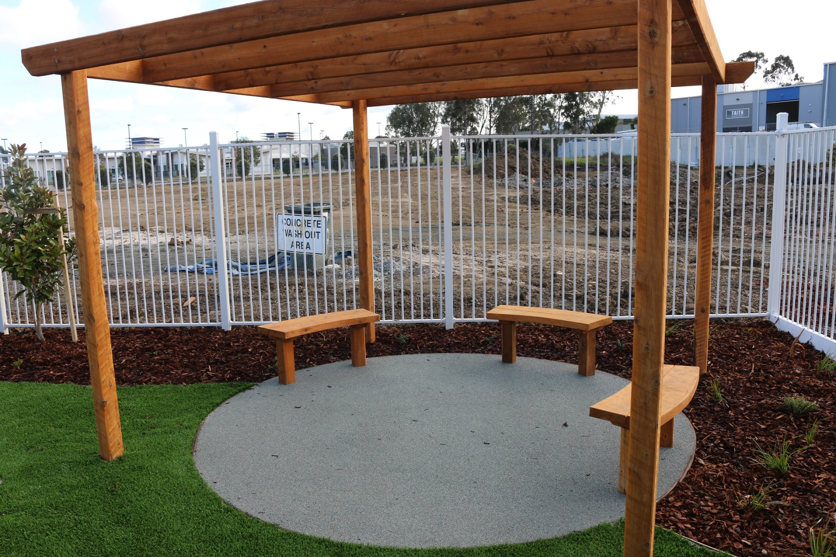 curved benches - lynbrook